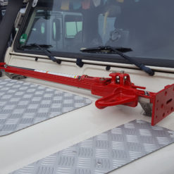 Hilift Jack montiert an der Motorhaube Defender
